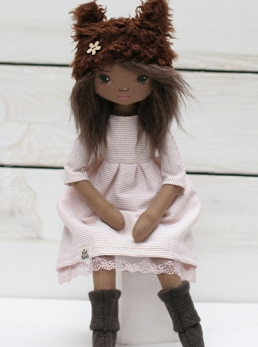 Ella (little romia doll)
