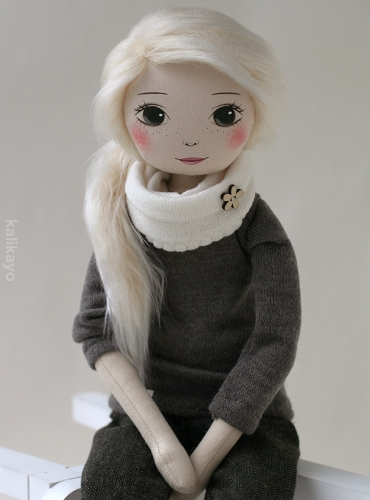 Ashlie – the romia doll