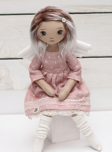 Molly (little romia doll)