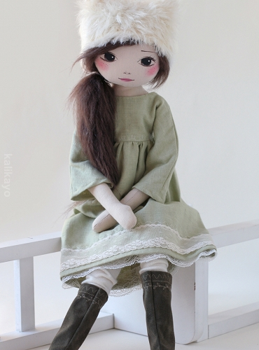 Delany – the romia doll