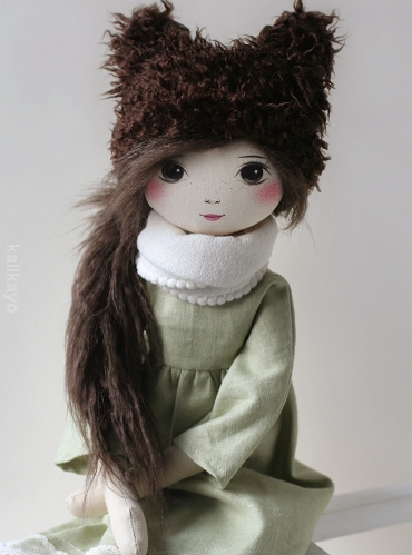 Ivy (romia doll)