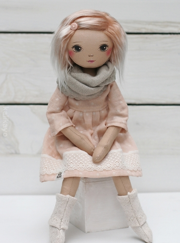 April (little romia doll)