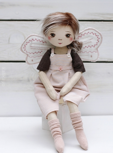 Ayla (little romia doll)