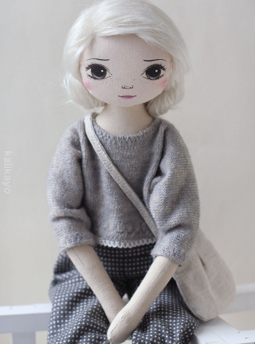 Maybell (romia doll)