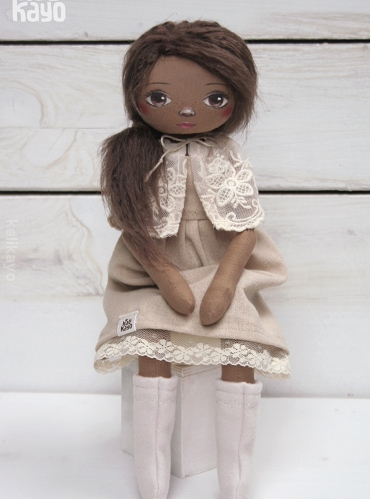 Lavonia (little romia doll)