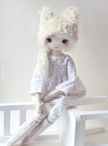 Claire (romia doll)